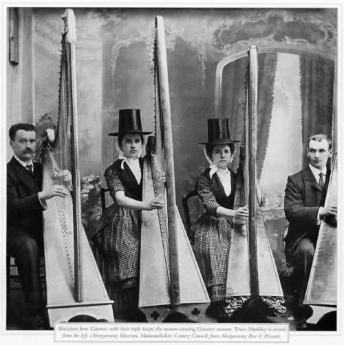 Llanover Harpists early 20th century
